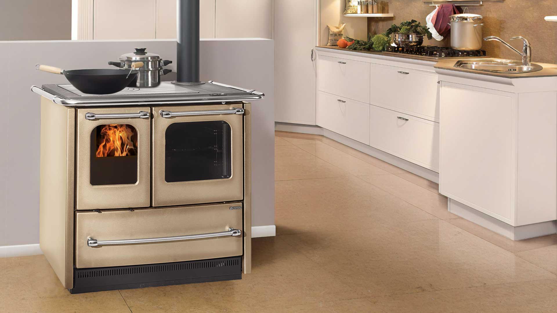 Cucina a legna Sovrana Easy - Riscaldamento - Brico OK Corigliano